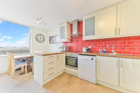 2 bedroom flat to rent - Eagle Heights, SW11