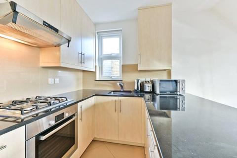 1 bedroom apartment - Madeley Road, London, W5