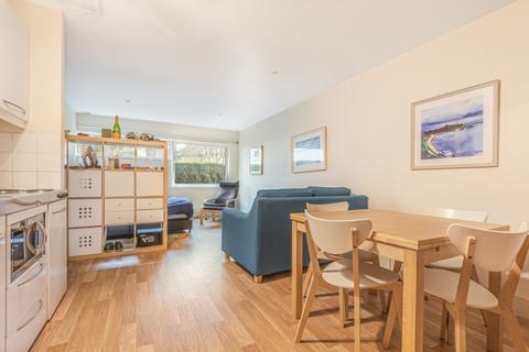 Studio to rent - Long Lane Borough SE1