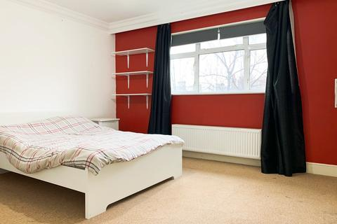 1 bedroom in a house share to rent - Acacia Road, Acton, W3