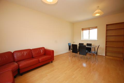 4 bedroom flat to rent - Tower Bridge Road London Bridge SE1