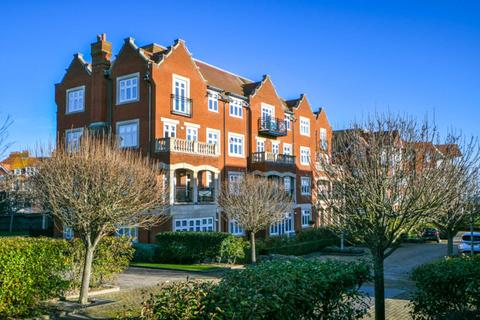 2 bedroom flat for sale - Darley Road, Eastbourne