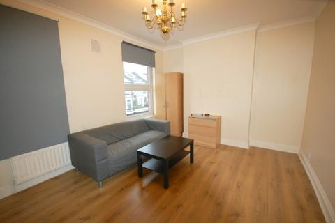 1 bedroom flat to rent - Top Floor 54A Glenwood Road  London