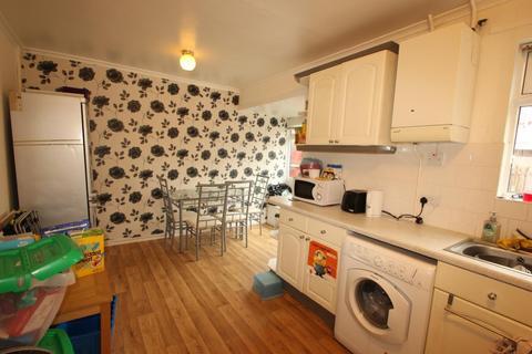3 bedroom semi-detached house to rent - Leeson Walk, Harborne, B17 0LU