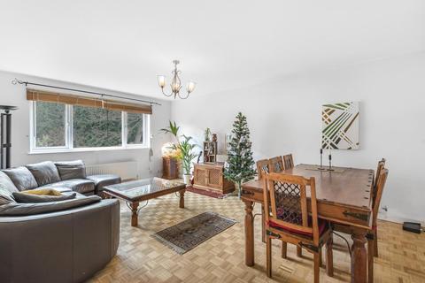 3 bedroom flat for sale - Priory Gardens, Highgate
