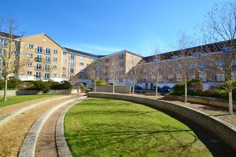 2 bedroom flat to rent - Wallace Court, The Dell, Southampton, SO15