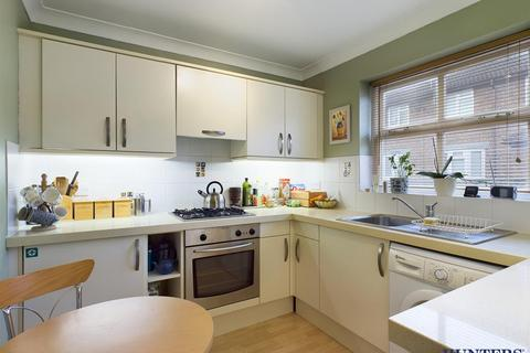 2 bedroom terraced house for sale - Rundle Place, Pocklington, York, YO42 2XS
