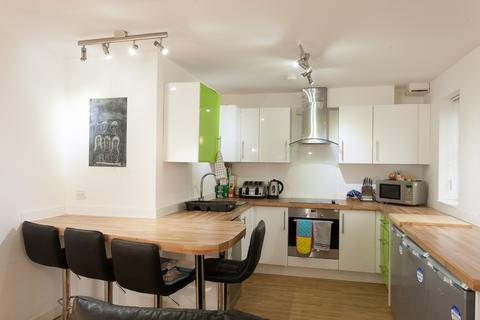 5 bedroom private hall to rent - BL APARTMENT 3