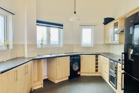2 bedroom apartment to rent - Enstone Road, Enfield, EN3