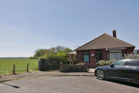 2 bedroom detached bungalow for sale - KENT GROVE, PORTCHESTER - AUCTION GUIDE PRICE £250,000