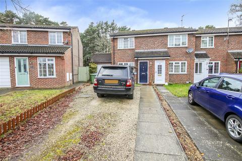 2 bedroom terraced house - Crofton Close, Forest Park, Bracknell, Berkshire, RG12