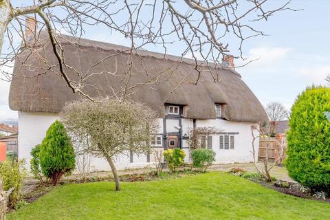3 bedroom detached house for sale - Shaw Green Lane, Prestbury, Cheltenham, Gloucestershire, GL52.