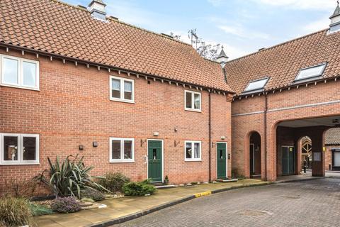 2 bedroom flat for sale - Berkeley Court, Sleaford, NG34