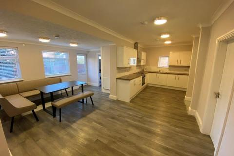 5 bedroom semi-detached house to rent - Humber Road, Beeston, NG9 2EJ