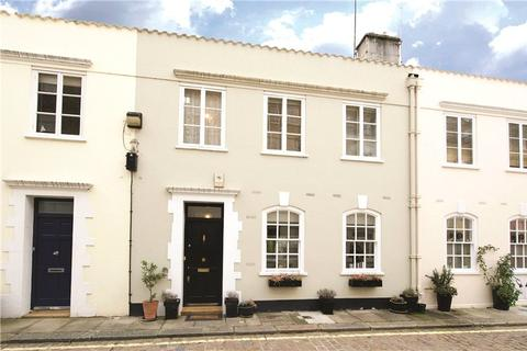 2 bedroom mews - Archery Close, Lancaster Gate, London, W2
