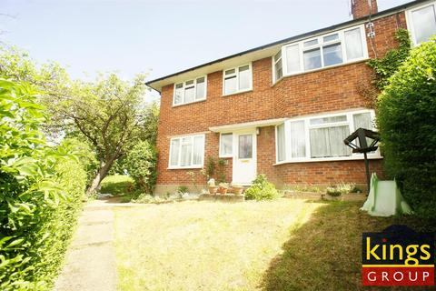 2 bedroom flat to rent - Sewardstone Gardens, Chingford,