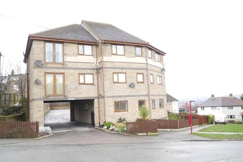 2 bedroom apartment - The Bank, Bradford, BD10