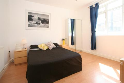 House share to rent - Grove Street, London SE8