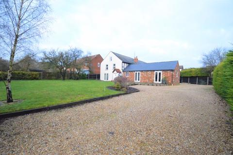 4 bedroom character property for sale - Possible Building Plot? Need a Large Barn?