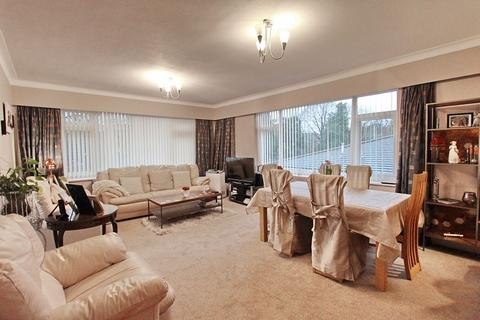 3 bedroom maisonette for sale - Penryn Court, Singleton Road, Salford