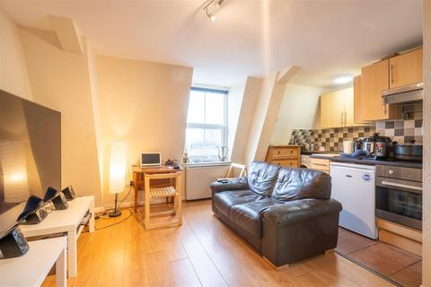 Studio to rent - Flat 8, 2 Moorgate Avenue, Crookesmoor