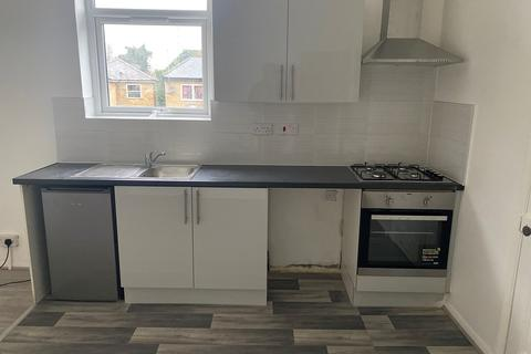 1 bedroom apartment to rent - West Green Road, London, N15