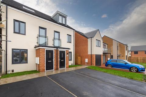 3 bedroom townhouse to rent - Speckledwood Way, Newcastle Upon Tyne