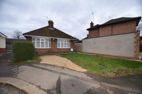 2 bedroom bungalow to rent - Holland Close, Peterborough, PE4