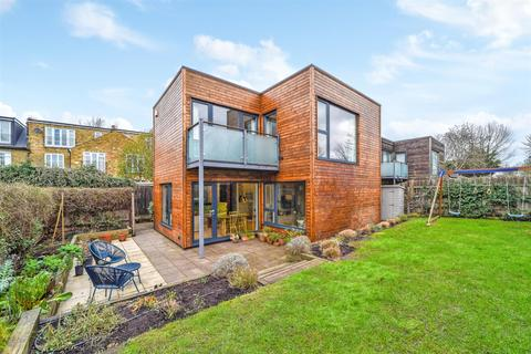 4 bedroom detached house for sale - Apple Grove, St Margarets