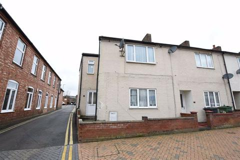 3 bedroom end of terrace house - Cannon Street, Wellingborough