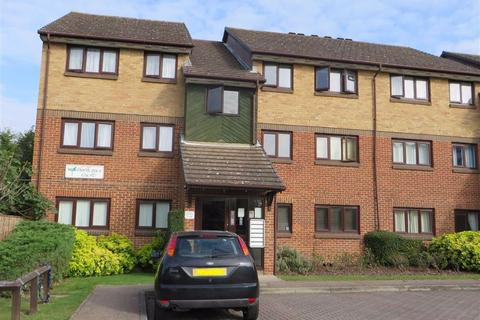 2 bedroom flat to rent - Hawthorne Court, Chingford