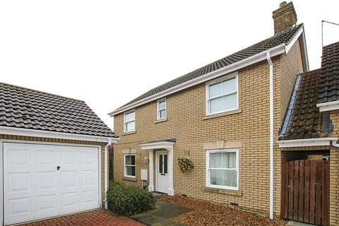 4 bedroom detached house for sale - Kingfisher Drive, Burwell, Cambridge