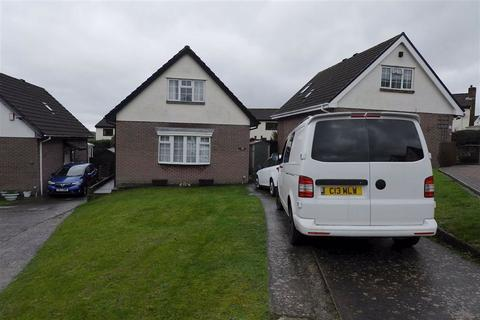 2 bedroom detached bungalow for sale - Senni Close, Barry, Vale Of Glamorgan