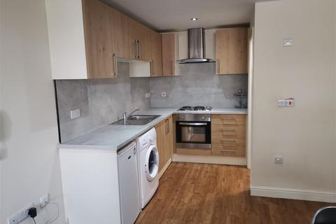 Studio to rent - Empire House, Cleveland Street, Doncaster