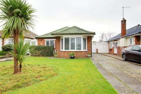 3 bedroom bungalow for sale - Goring Way, Goring-by-Sea, Worthing, BN12
