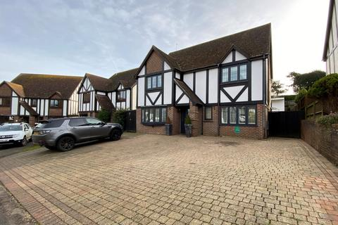 4 bedroom detached house for sale - Clim Down, Kingsdown, CT14