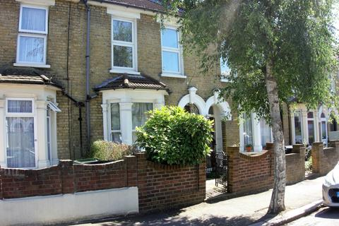 3 bedroom house to rent - Osborne Road, London, E10