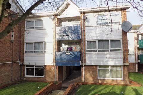 3 bedroom maisonette - Longleat Gardens, Woodbine Estate, South Shields, Tyne and Wear, NE33 2NT