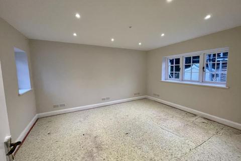 Studio to rent - Old Road,  Headington,  OX3
