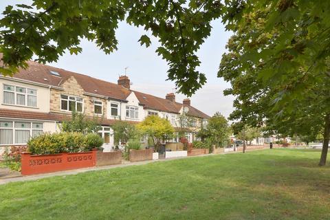 4 bedroom terraced house for sale - Downhills Way, London N17