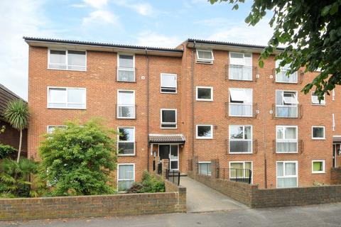 1 bedroom apartment to rent - Berrylands Surbiton KT5