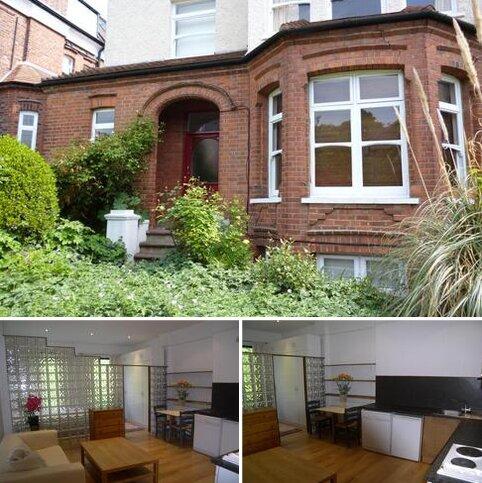 Studio to rent - Stanhope Road, Highgate , London N6