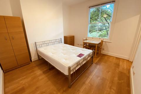 Studio to rent - Pleshey Road, Kentish Town N7