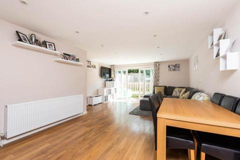 3 bedroom terraced house for sale - Willow Close, Garsington, Oxford