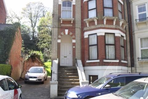 1 bedroom flat - Willoughby Road