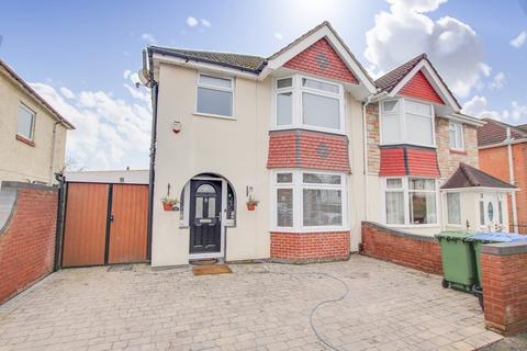 3 bedroom semi-detached house for sale - Thornleigh Road, Woolston