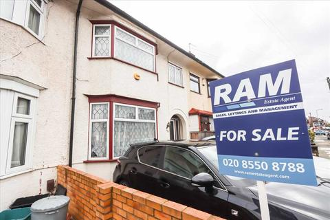 3 bedroom terraced house for sale - Cantley Gardens, Ilford