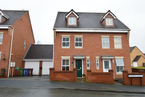 3 bedroom semi-detached house - Windsor Close, Rugeley