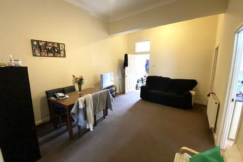 2 bedroom flat to rent - Chichester Road, Portsmouth