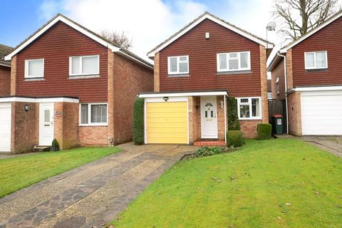 3 bedroom detached house for sale - Crawley, RH10